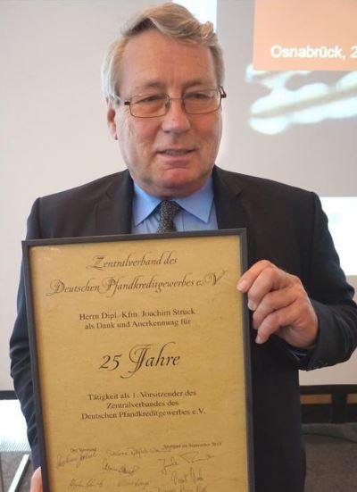 Joachim Struck ist seit25 Jahren 1. Vorsitzender des Zentralverbands des Deutschen Pfandkreditgewerbes e.V.